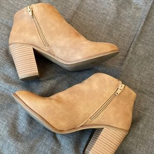 Universal Thread Tan Block Heel Booties